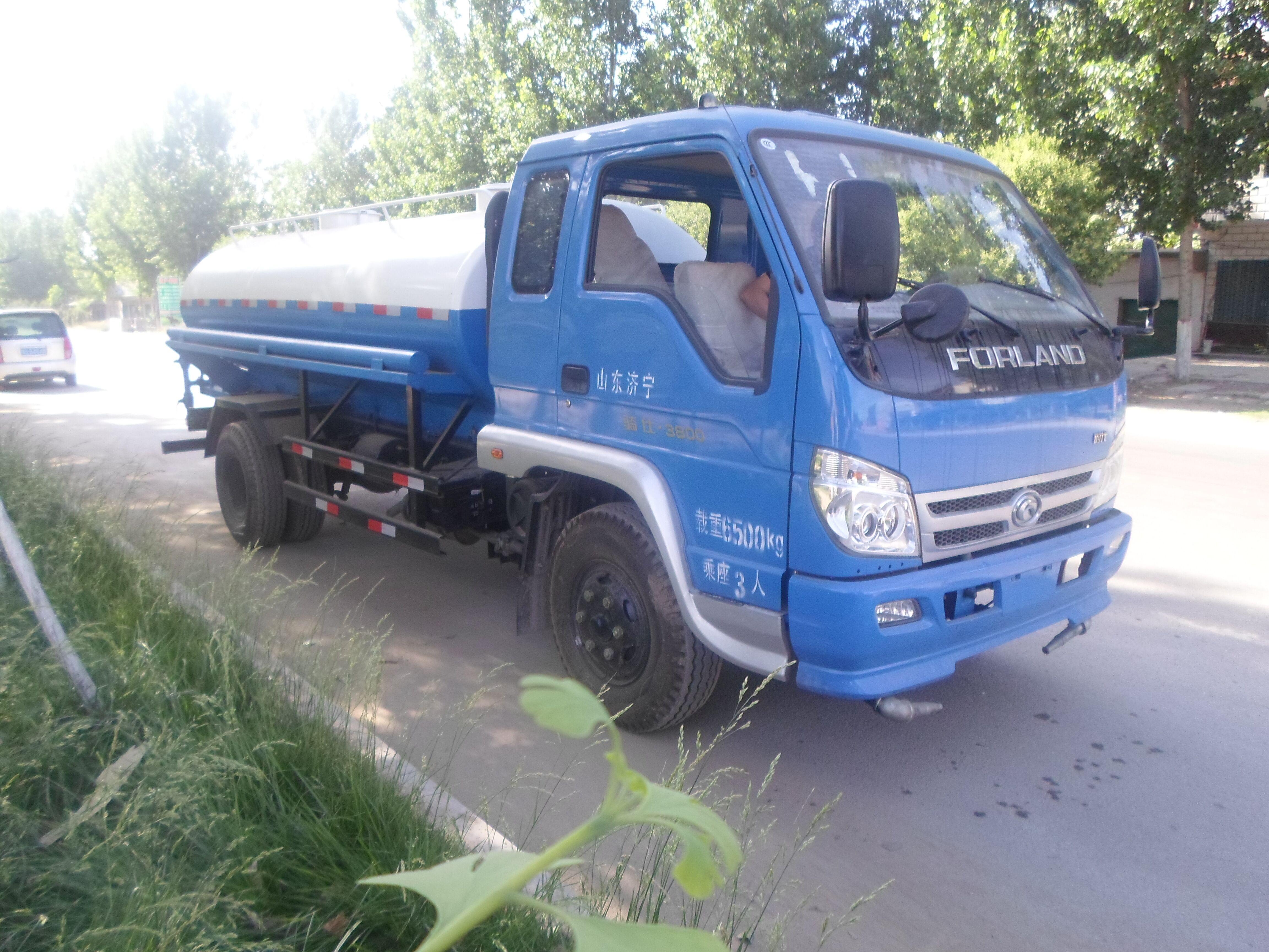 供应5吨吸污车车厂家山东东风金霸吸污车哪里卖