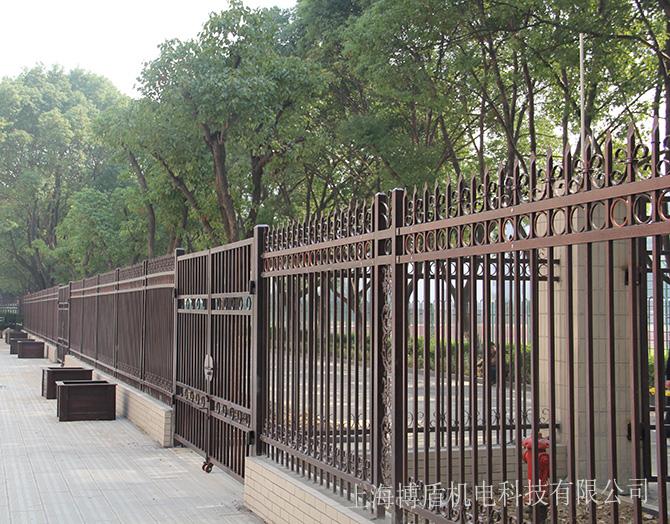 博盾围墙护栏欧式锌钢护栏用于小区报价