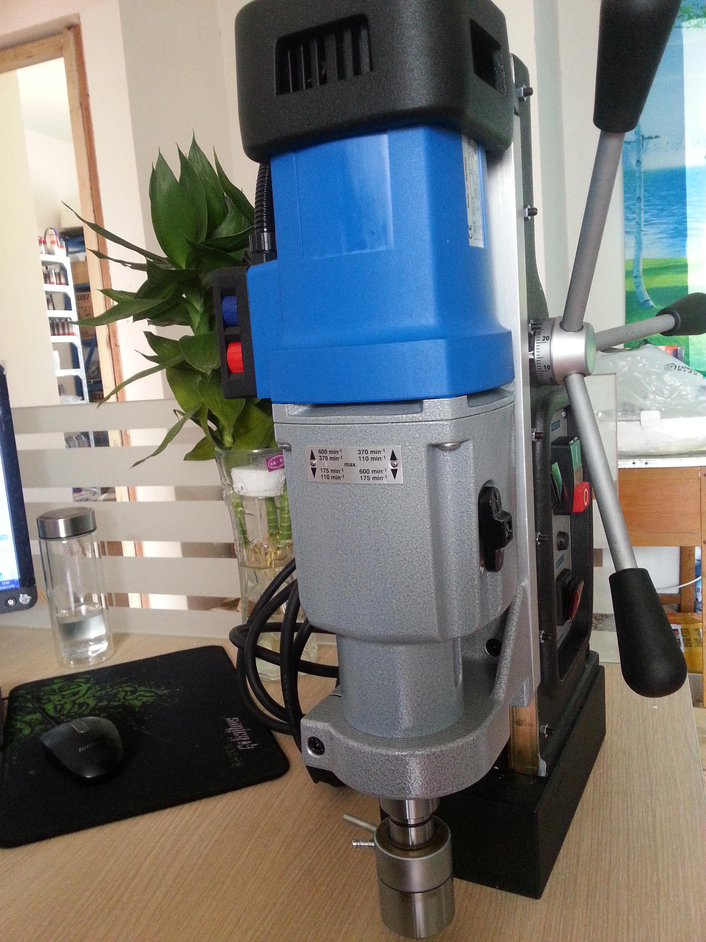 供应百得磁力钻mab800 德国原装进口 攻丝磁座钻 调速磁力钻 空心钻机