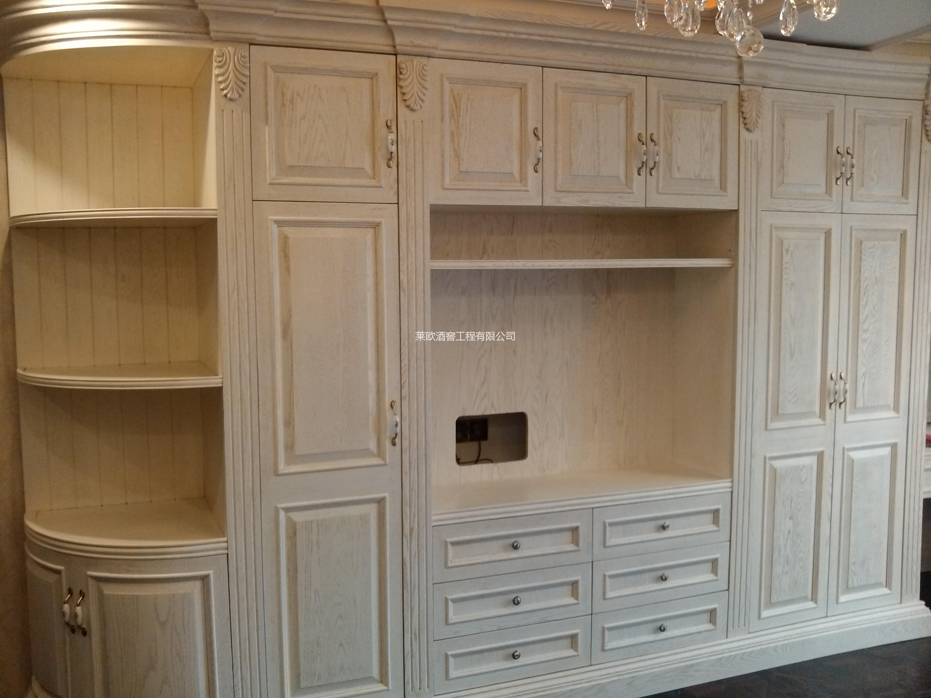 供应整体衣柜,书柜,整体家具定制图片