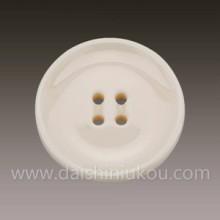 供应用于服装辅料的米黄陶瓷纽扣WD551-24.7凹面大衣纽