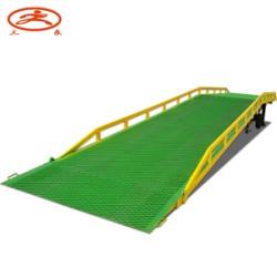 供應手動升降兩輪可移動式登車橋