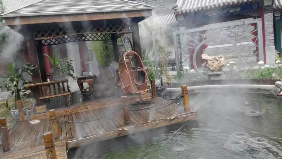 喷雾降温设备_小区绿地人造雾降温加湿系统