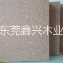 供应用于门芯板的东莞蔗渣板|东莞E2 EI刨花板