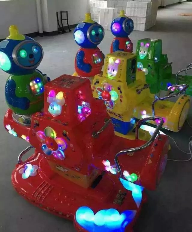 濮阳儿童摇摇车格斗机火焰飞车游戏机直销
