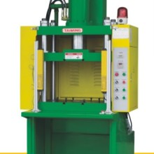 供应上海液压机油压机厂家,XTM品牌液压机油压机,100T到500T液压机生产图片