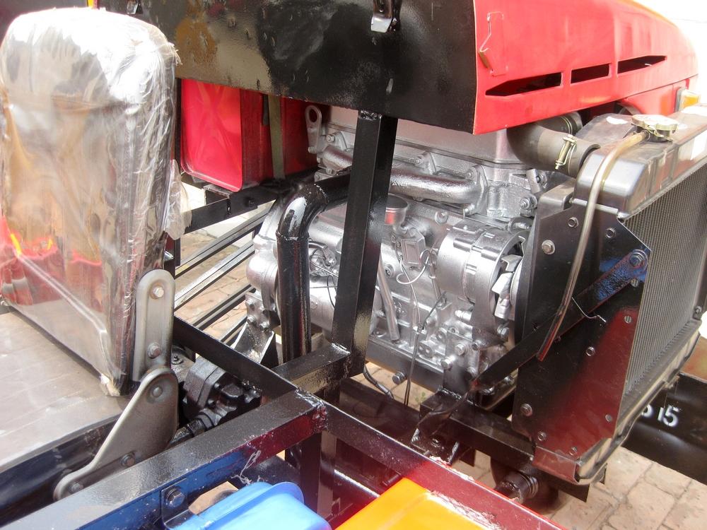 供应小型装载机906小铲车904