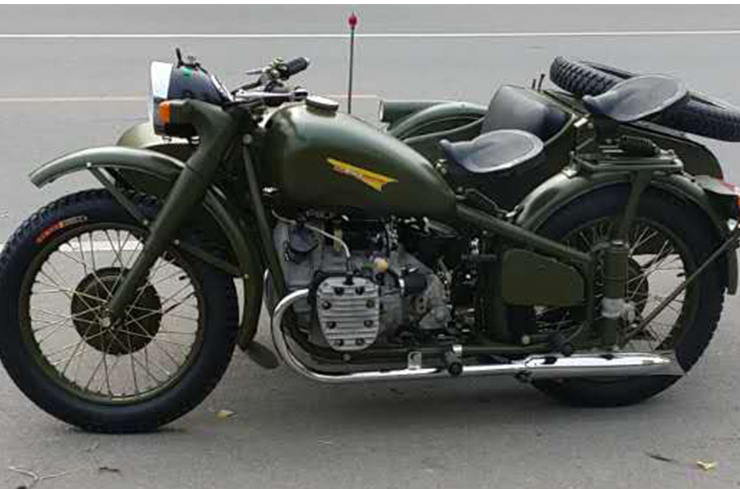 新款长江750摩托车