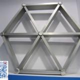 供应三角型铝格栅 木纹色三角铝格栅吊顶天花/厂家