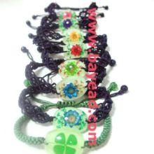 鲜花琥珀手链四叶草饰品人工琥珀价格表