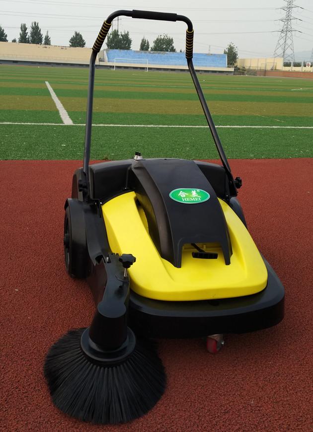 学校塑胶跑道运动场地用合美扫地机手推电动吸尘扫地机hm720