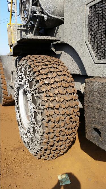 天津天威轮胎保护链 1000-20型铲运机轮胎保护链 装载机轮胎防滑链  压路机轮胎保护链  雪地机轮胎防滑链