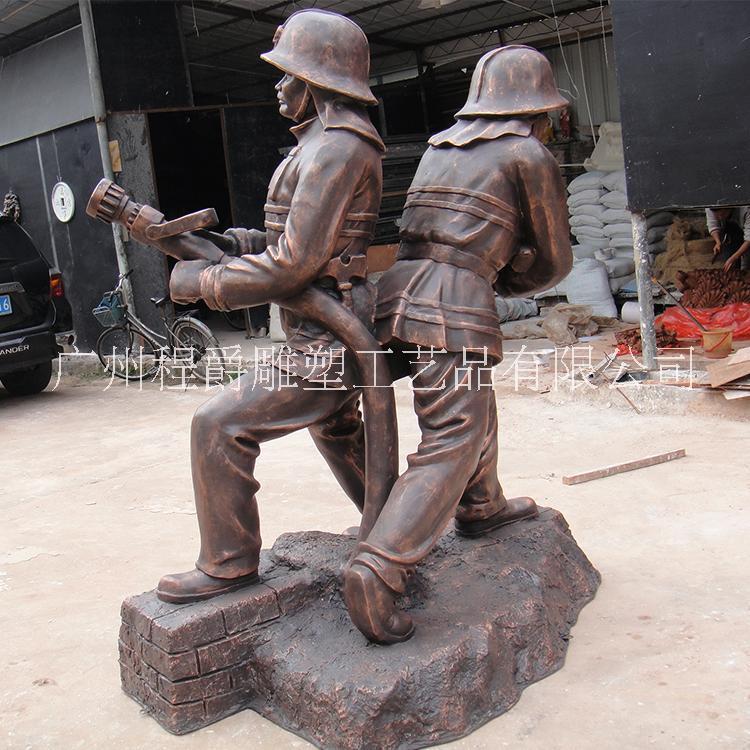 厂家专业定做 玻璃钢消防人物雕塑 仿古铜色消防人物雕塑 园林景观改造工程 展览展品摆件