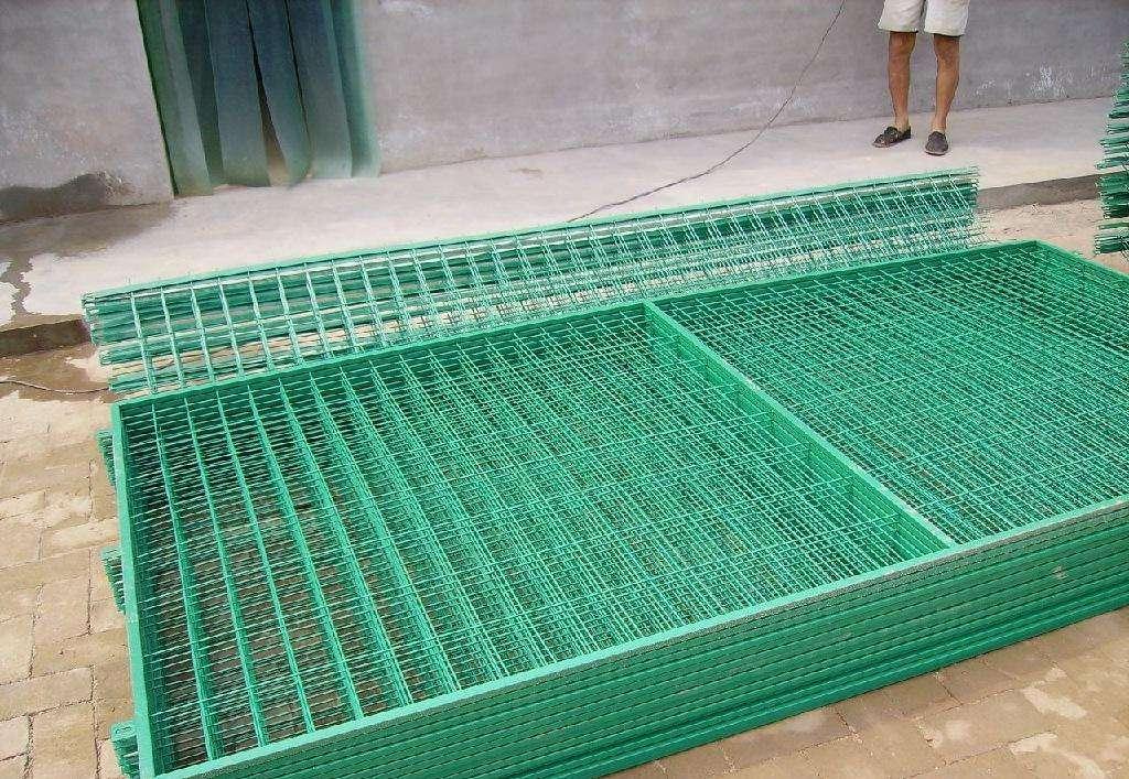 公路铁丝护栏网 钢板公路护栏网销售
