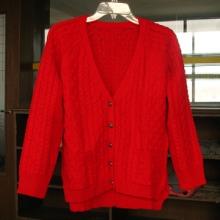 海阳女式毛衣,短款V领开衫