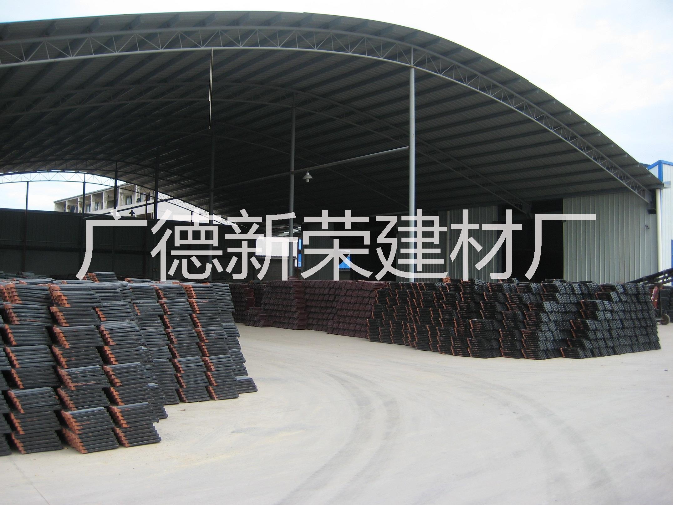 供应南通琉璃瓦制造商、盐城琉璃瓦生产厂家,苏州玫红双筒瓦价格