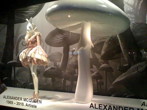 供应上海橱窗美陈摆设泡沫雕塑道具商场万达装饰品
