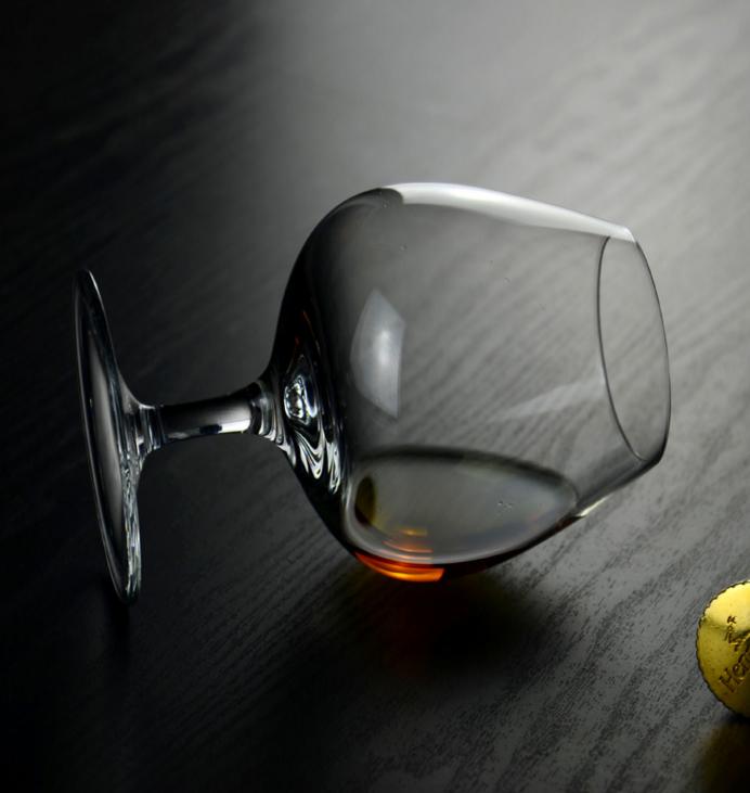 供应普通玻璃高脚杯 高脚杯 红酒杯 白葡萄酒杯 普通玻璃 高脚杯 高脚杯 供应普通玻璃高脚杯 红酒杯