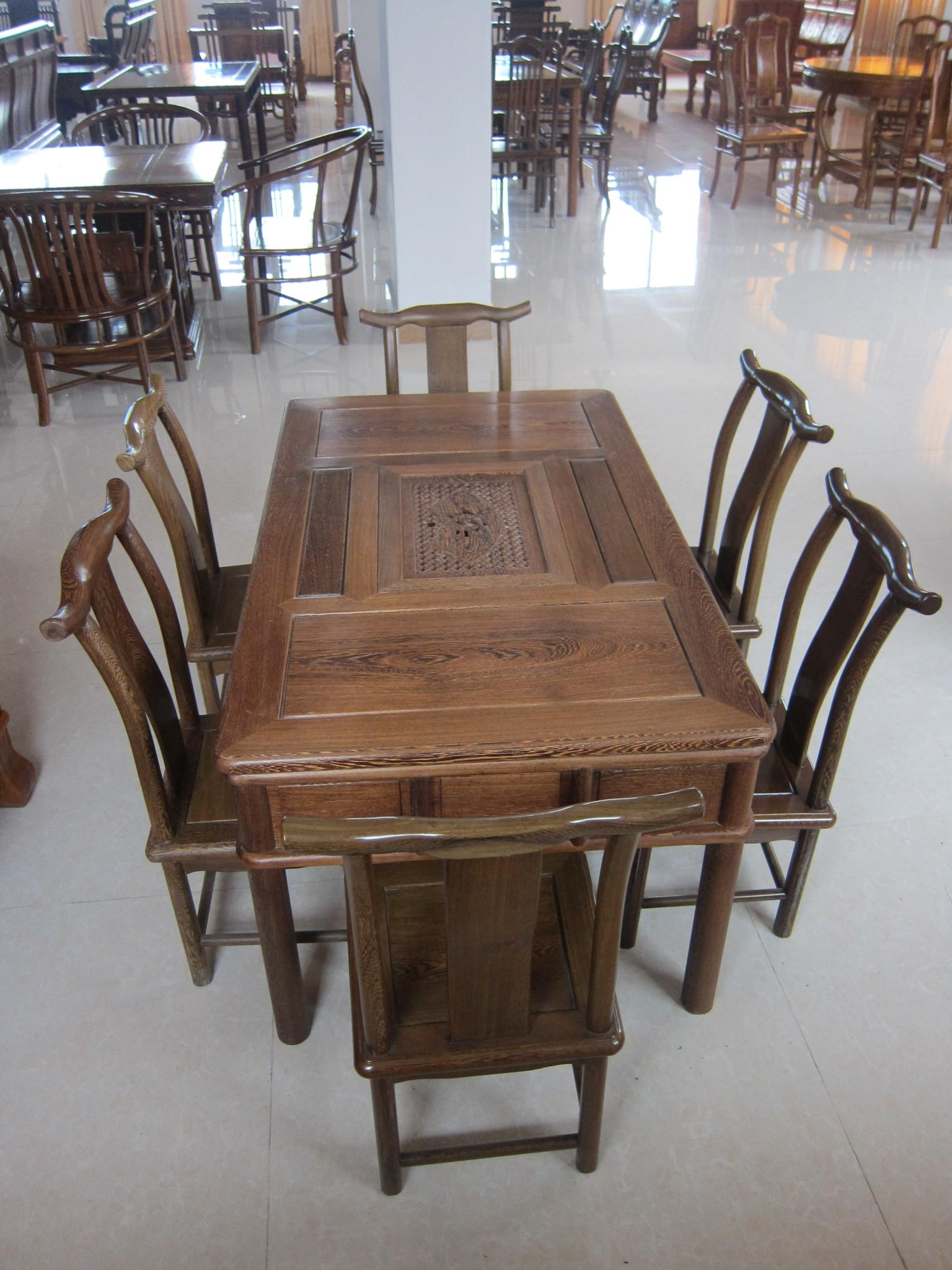 回收实木桌椅 回收实木桌椅 高价回收实木桌椅