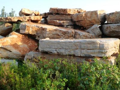 100/吨假山用石大型假山制作青石板子费县驳岸石湖边石