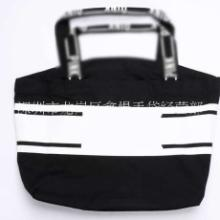 龙岗  简约刺绣黑色帆布包 时尚手提包