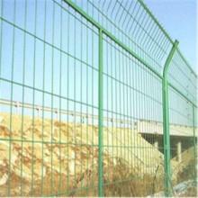 厂家现货供应框架式护栏网  厂家现货供应框架式护栏网