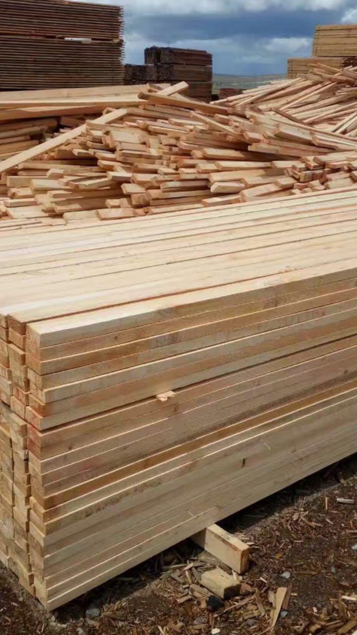 俄罗斯樟子松建筑木方、板材、木龙骨 俄罗斯樟子松木方