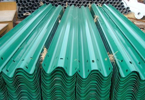 高速护栏板 镀锌护栏板 喷塑护栏板 波形护栏板 厂家直销 现货供应