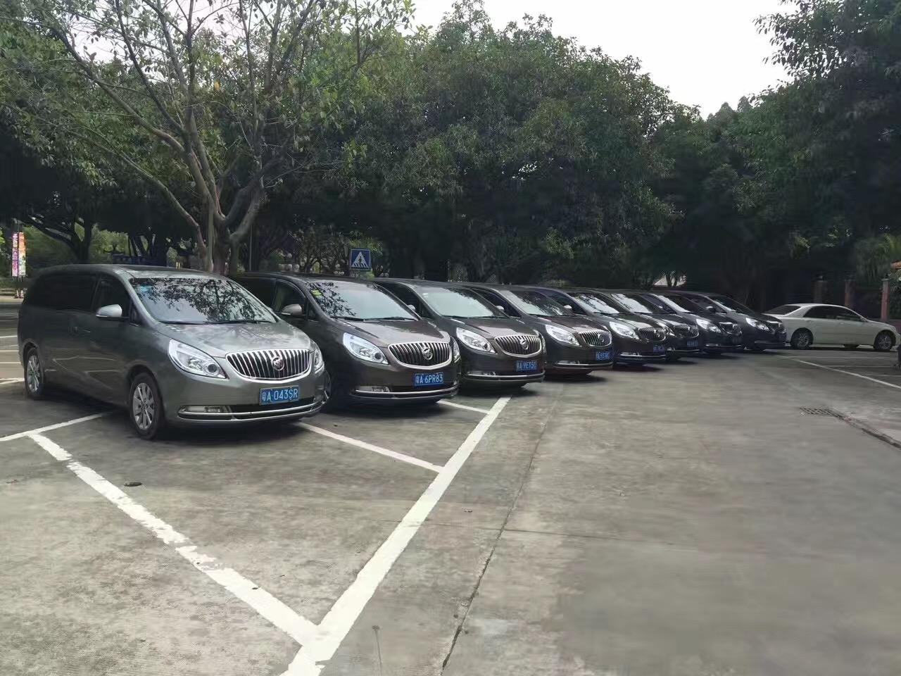 广州租7座商务车别克GL8多少钱一天?别克GL8会议活动车队怎么出租?