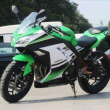 传统狂野的摩托车