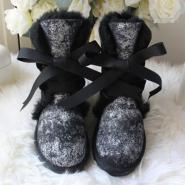 羊皮毛一体雪地靴图片