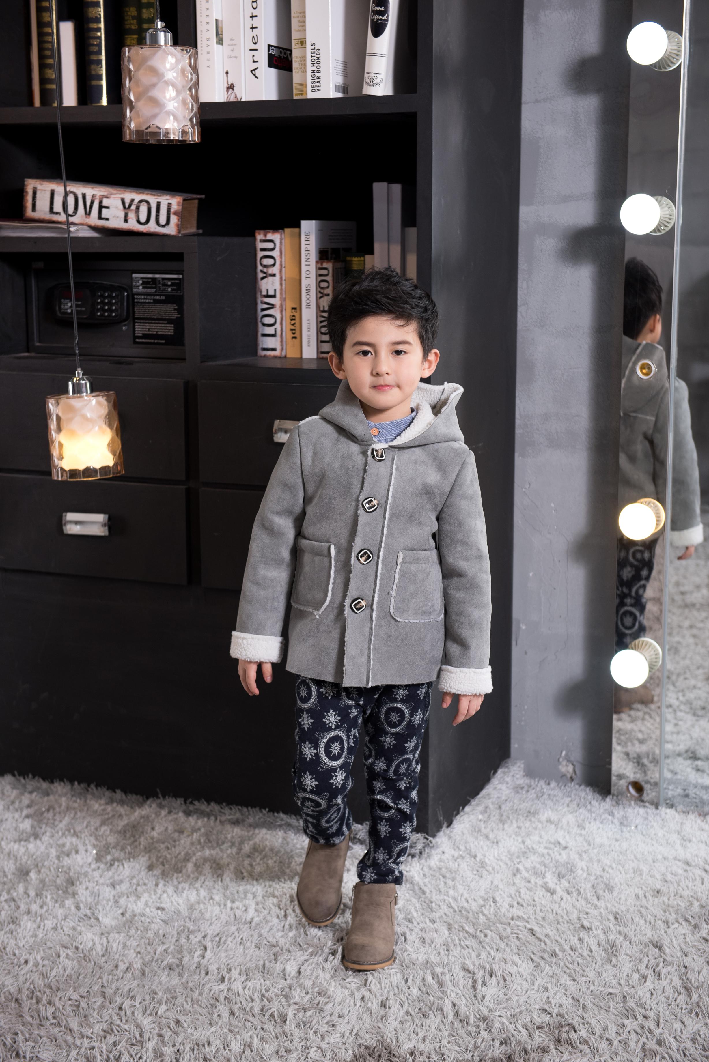 广州童装梭织类定制加工 厂家直销呢大衣外套 广州梭织类童装定制厂家