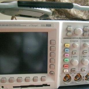 泰克TDS3014B示波器图片