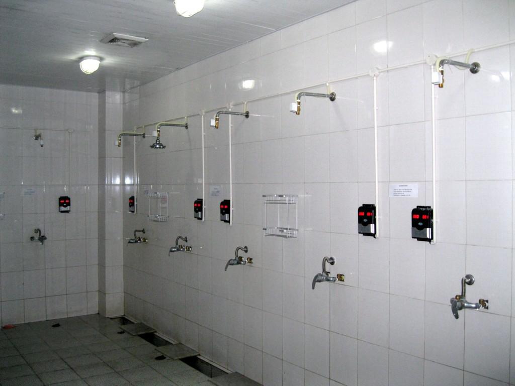 IC卡分体水控机浴室刷卡水控机 智能水表IC卡洗澡开水控制器