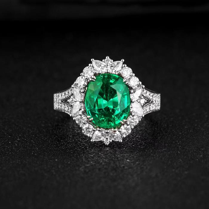 18K金绿宝石戒指2.42克拉赞比亚绿宝石戒指天然玻璃体颜色漂亮净度干净绿宝石 18K金绿宝石戒指