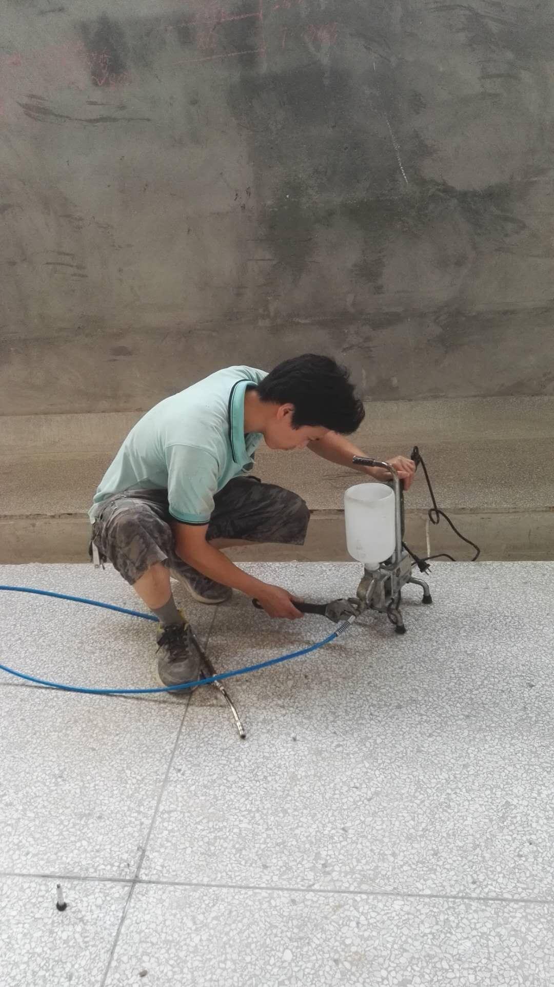 水磨石地面空鼓修复处理方法