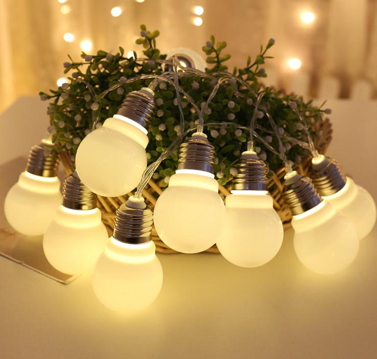 led灯串大圆球灯灯泡球灯串彩灯 led灯串大圆灯泡球采购 大圆球灯灯球厂家批发价格 电池彩灯圣诞装饰厂家直销