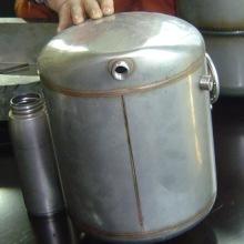 贮气筒铝合金油箱焊接 广州铝合金油箱焊机 焊贮气筒焊机