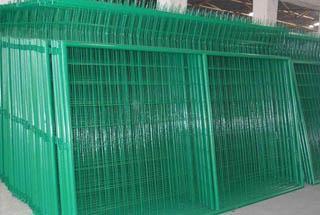 护栏网 请致电18318660898张生 中山框架护栏网厂家