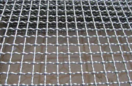 轧花网采用锰钢轧花编织而成
