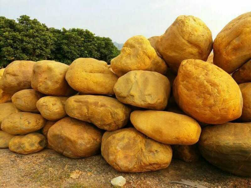 潞城市景观石 天然鹅卵石驳岸石  小区绿地草坪石踏脚石