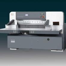 液压触摸屏切纸机 专业生产精密切纸机图片
