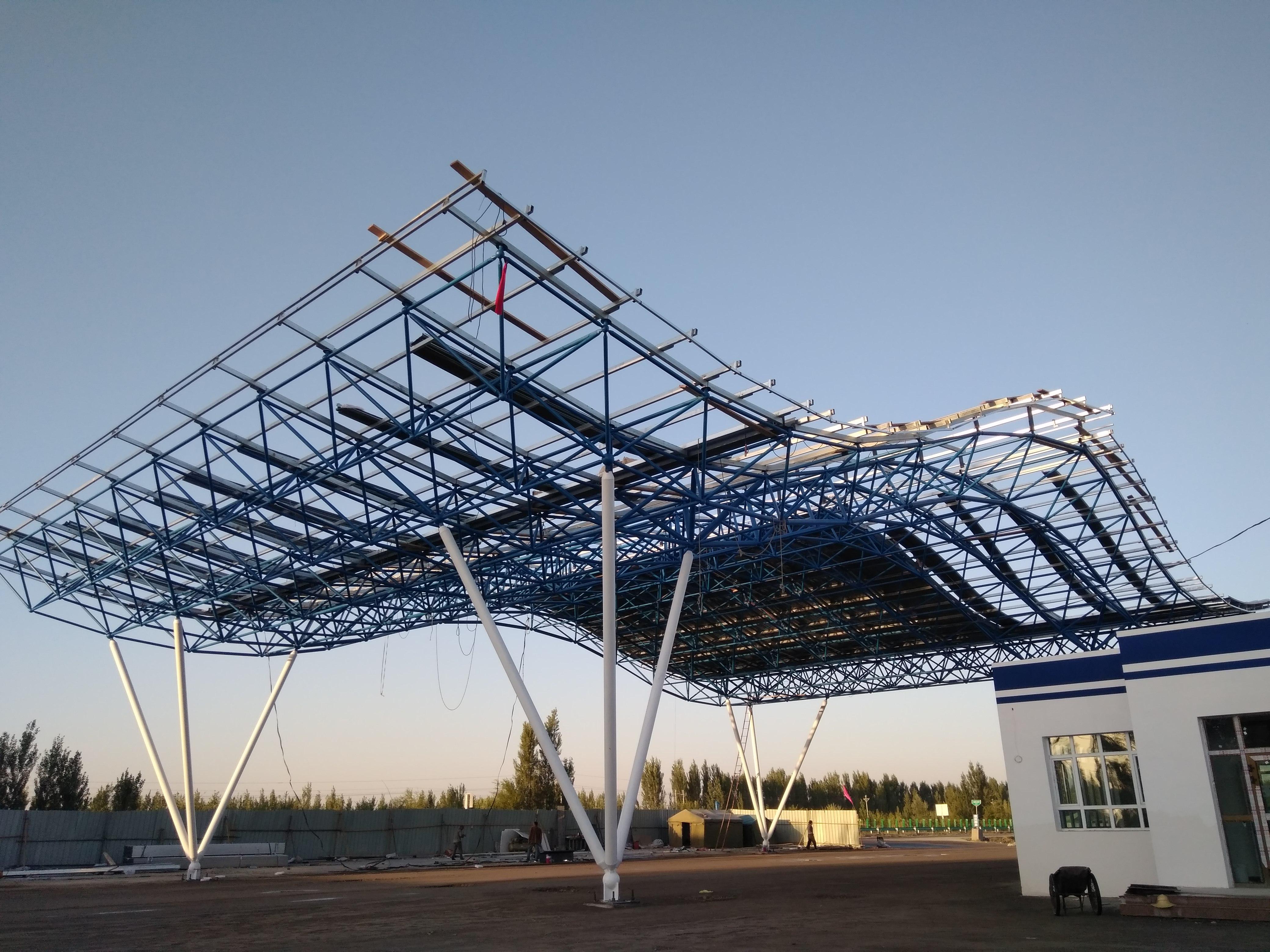 阿拉尔铝镁锰板阿克苏铝镁锰金属屋面支架施工