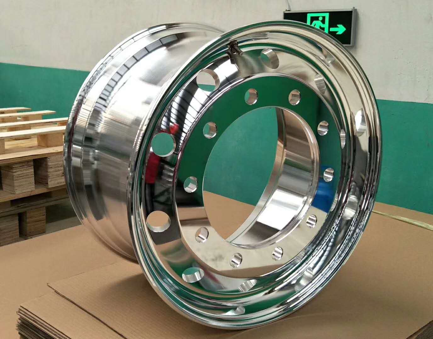卡车轻量化锻造铝合金轮毂 重庆卡车轻量化锻造铝合金轮毂