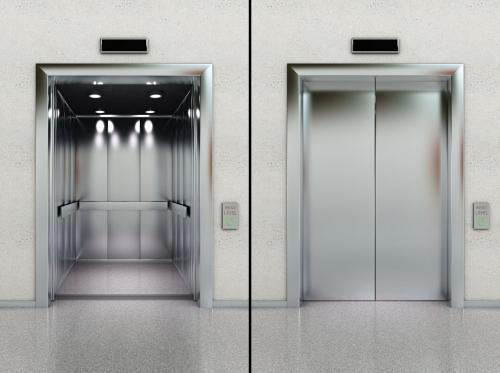 北京出售二手电梯,北京出售二手扶梯,北京出售废旧货梯,专业拆除回收电梯