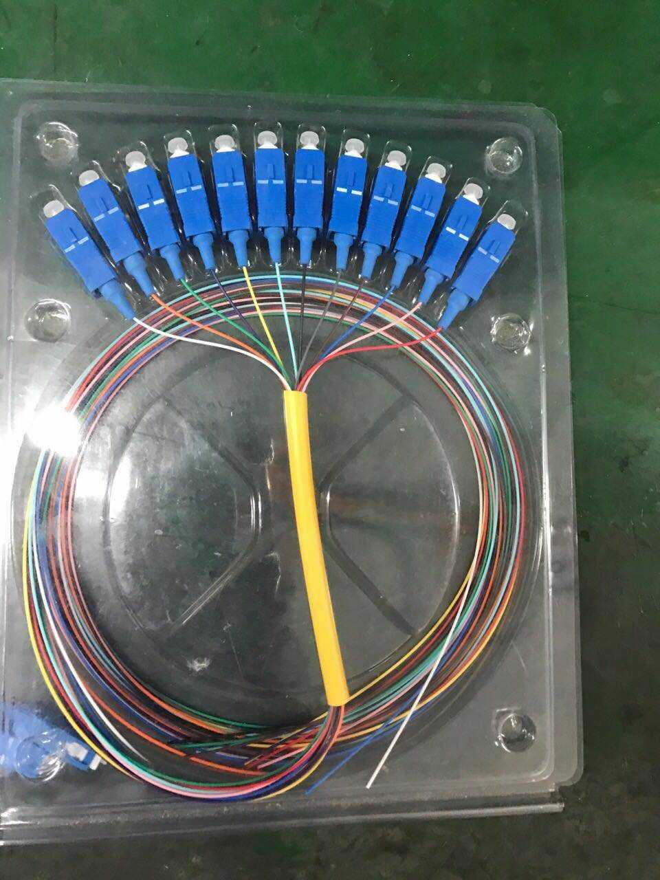 电信级12芯彩色束状SC光纤尾纤  彩纤