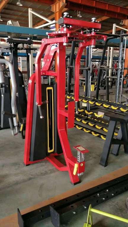 直臂夹胸 健身器材厂家直销健身房商用直臂夹胸训练器