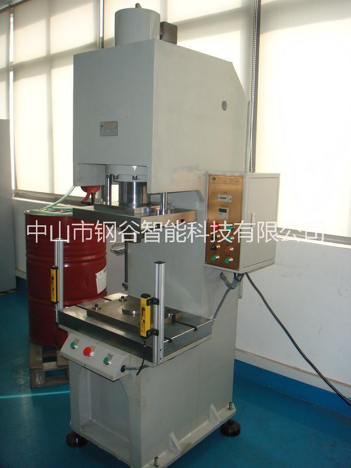 Y07大型单柱油压机/中山油压设备实力厂商