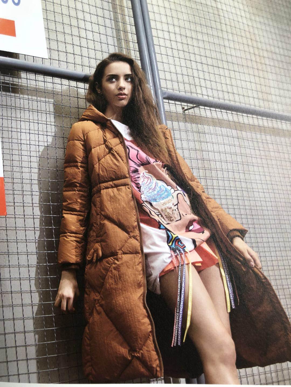 杭州品牌欧姿蔻羽绒服品牌女装折扣走份批发2018当季新款