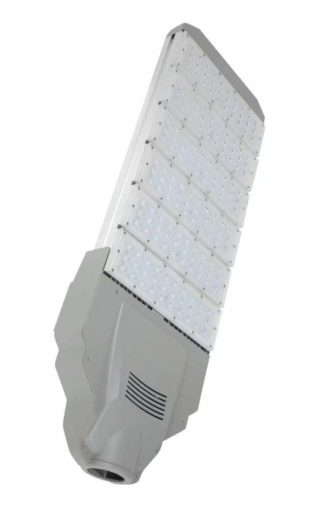 2018年新款模组路灯大全 江苏6米30瓦模组LED太阳能路灯厂家 120W模组led防爆路灯厂区